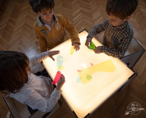 tavoluccico-tavolo-luminoso-bambini